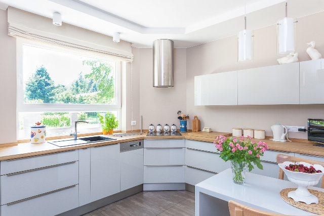 Agar Rumah Kian Homey Anda Perlu Tahu Tips Mudah Mencegah Aroma Tak Sedap di Dapur Ini!