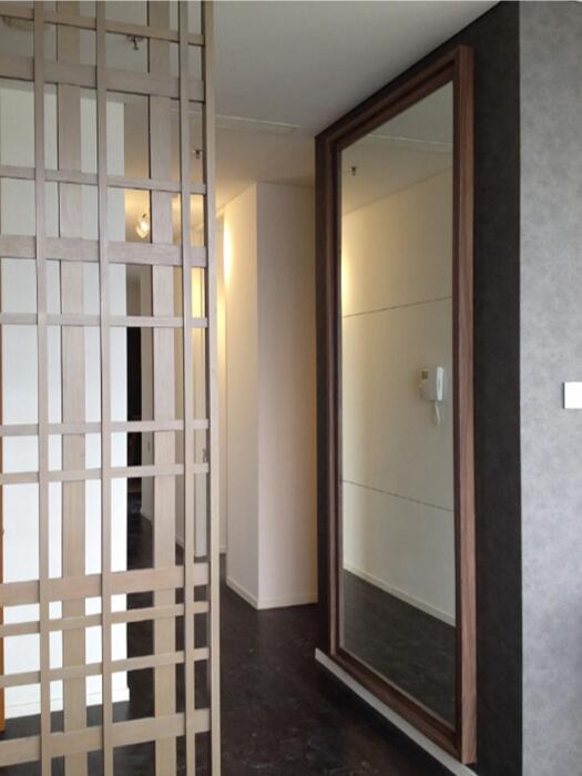 Ruang Dalam Rumah Terasa Luas dan Cantik Dengan Inspirasi Kaca Cermin