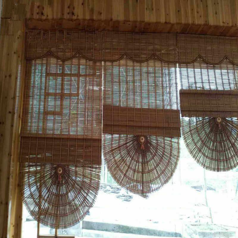 Gorden dengan lapisan tirai bambu